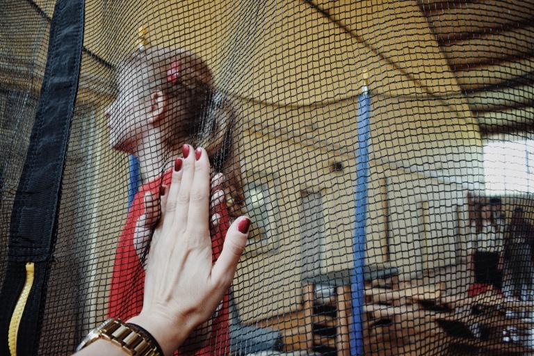multikul Srbija, Devojčica na trambolini, 1